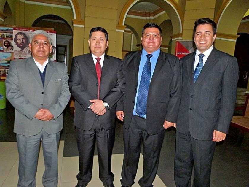 Personeros de COTES, Abel Salazar, abogado; José Nava, Gerente General; Julio Gorena, Pdte. Consejo de Administración