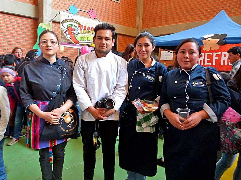 El equipo de cocina del Montessori. Los chefs Daniela Canedo, Willy Vargas, Luz Martínez Miranda y Carol Canaviri.