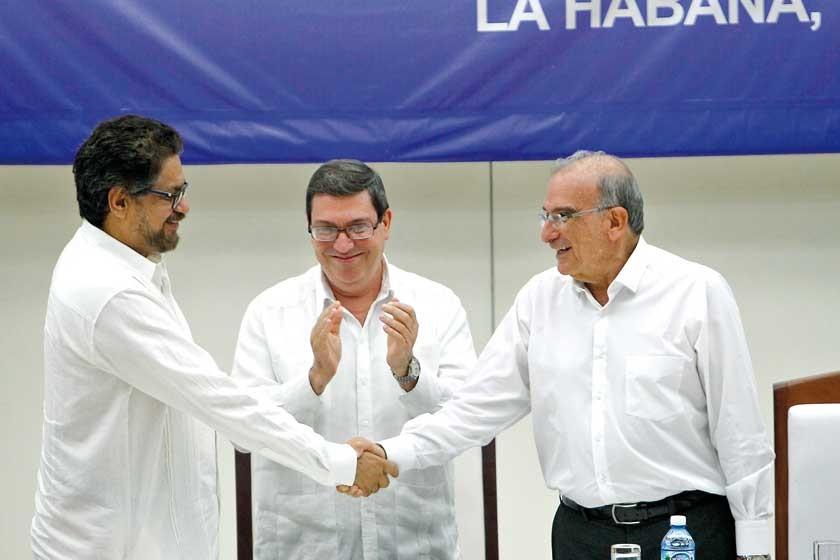 Colombia sella la paz con las FARC y lleva el acuerdo a un referéndum