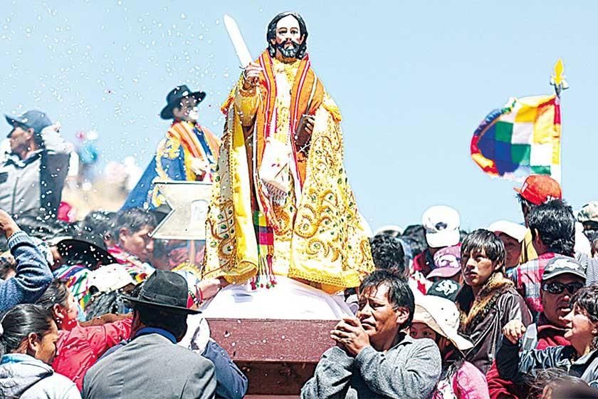 PROTECTOR. La imagen de San Bartolomé lleva en sus manos un cuchillo con el que aleja a los espíritus malignos