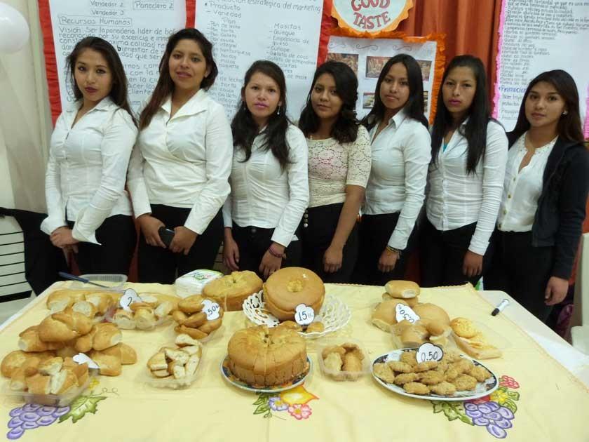 """El negocio de la panadería pastelería """"Good Taste"""" fue presentado por Tracy León, Nayra Rios, Sayda Escapa, Dayna V."""