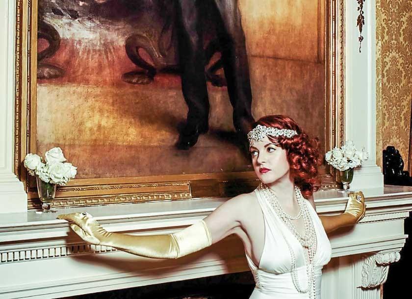 """La artista estadounidense Cynthia von Buhler, creadora del concepto de las """"Fiestas Illuminati"""""""