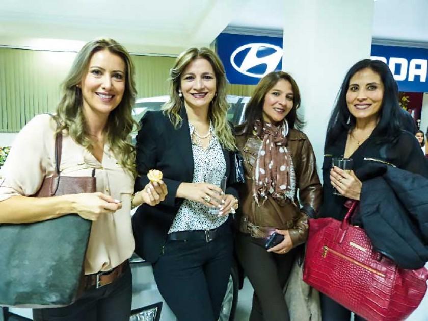 Paola Urquizu, Patricia Sánchez, Cristina Mostajo y Sussy Prado.