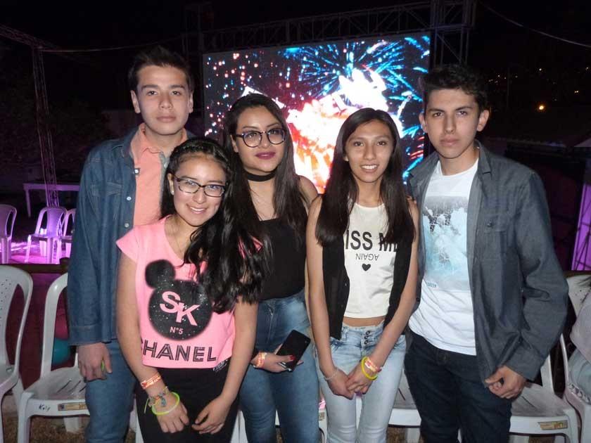 "Pol  Pedrazas, ""Michelle Marín, Daniela Copa, Emily Martínez y Sebastián Salguero."