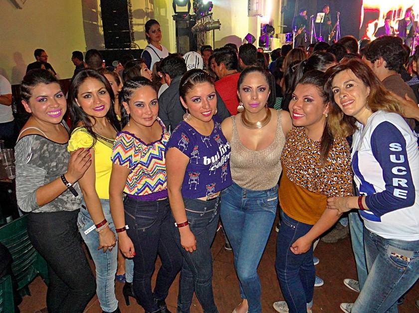 Mariana, Gabriela, Sara, Teresa, Gabriela, Brenda y Viviana.