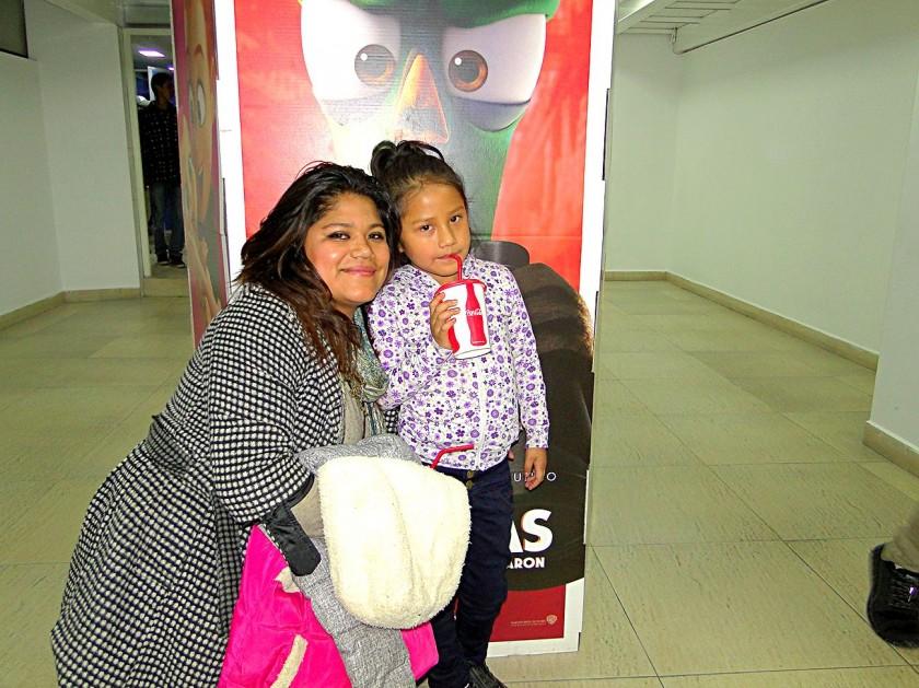 Carolina Gonzales e Isabel Serrudo Gonzales.