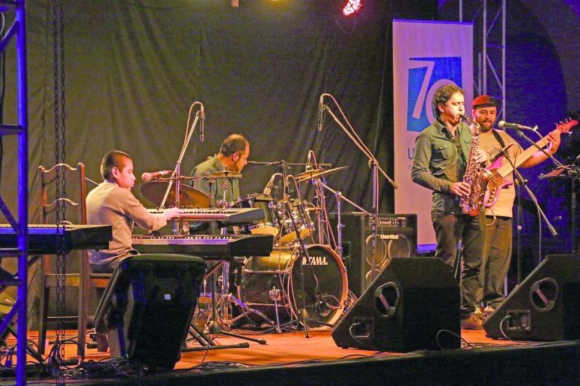 JAZZ. José André Jazz quartet fue premiado con cerrados aplausos de los espectadores.