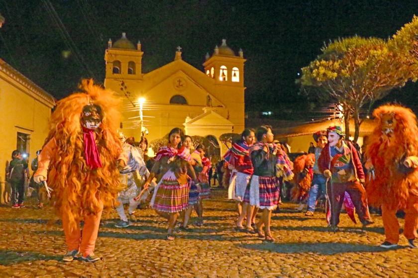 TRADICIONES. Los T'anta Morenos de la comunidad de T'aqos se lucieron en La Recoleta.