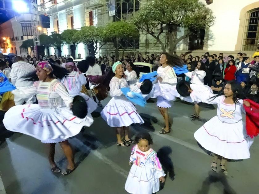 ORÍGENES. La comunidad AfroBoliviana presentó sus costumbres.