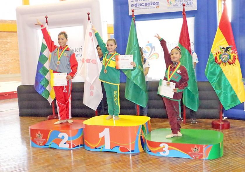 El podio de la gimnasia rítmica, que se compitió ayer, en el Poligimnasio.