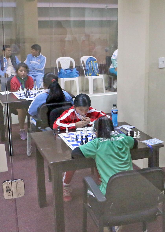 Ayer se cumplió la segunda jornada de ajedrez.