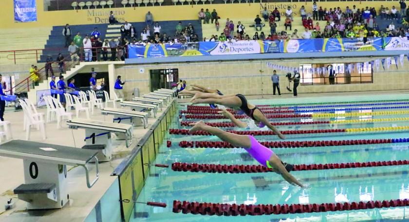 La única jornada reservada para la natación, en la que Santa Cruz se llevó tres de las cuatro medallas en juego, se...