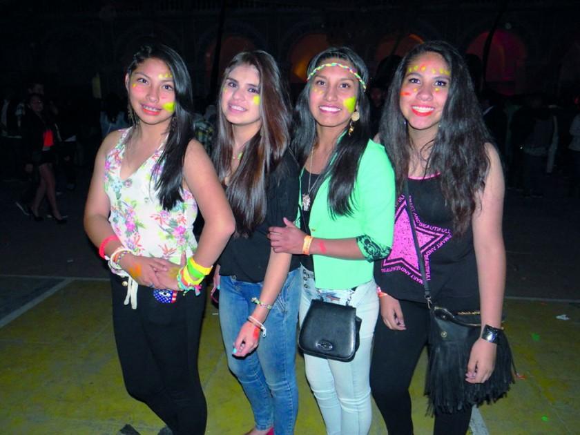 Nicole Vega, Olga Padilla, Paola Cruz y Daniela Flores.