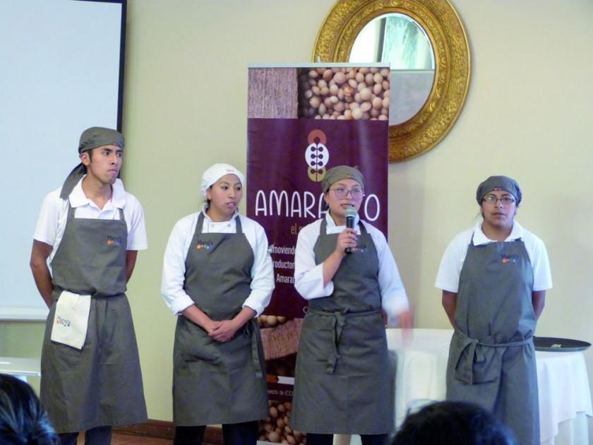 Los chef y cocineros de las Escuelas MANQ'A de El Alto, explicaron la composición de los cinco platillos exquisitos...