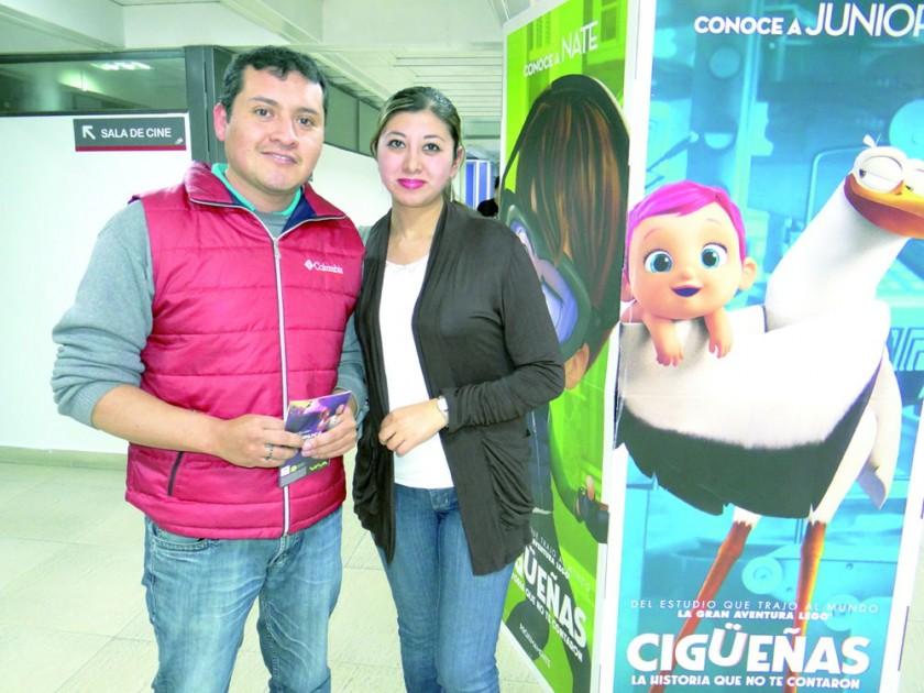 Víctor Manuel Gil y Karen Soliz.