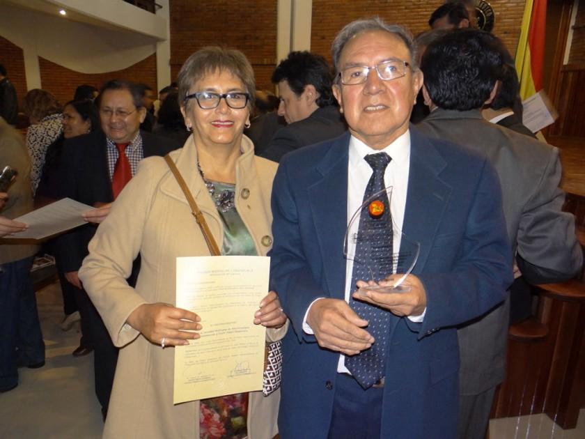 Sociedad de Anestesiología: Teresa Ambolumbet y Gunnar Melgarejo.
