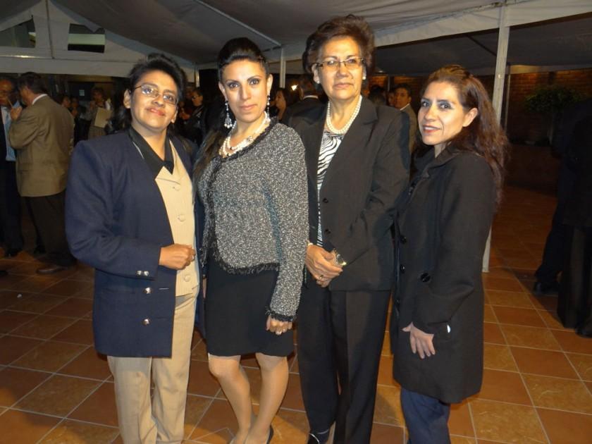 Pilar Quezada, Rosemary Zambrana, Miriam Lozada y Zulma Terrazas.