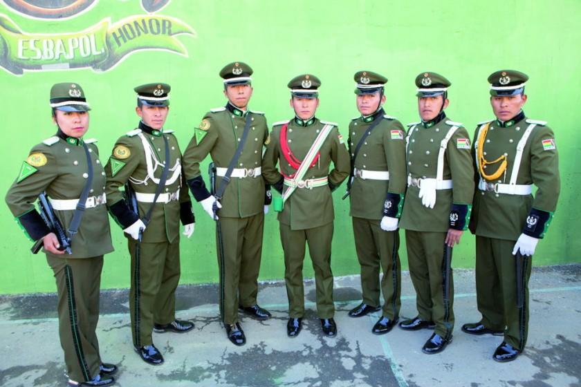 Erika Flores, Laime Huerta, José Chambi, Juan Gabriel Condori, Edmundo Escobar,  Reinaldo Juchani y José Luis Suyo.