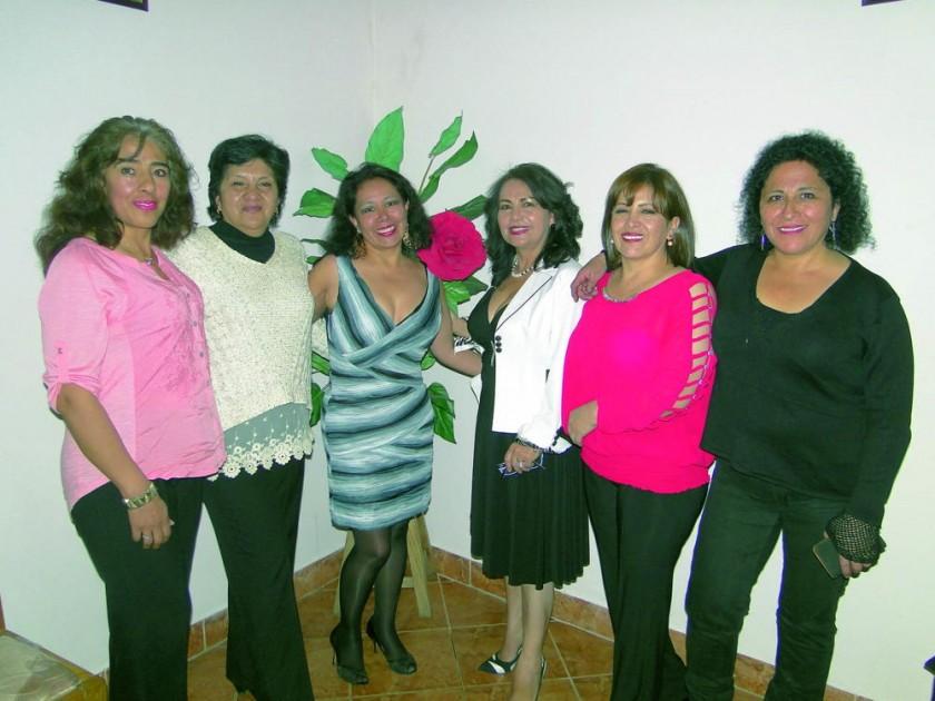 Carmen Parrado, Esperanza Almaraz, Ninoska Chinchilla, Marilú Siles, Janeth Quiroz y Edith Romero.