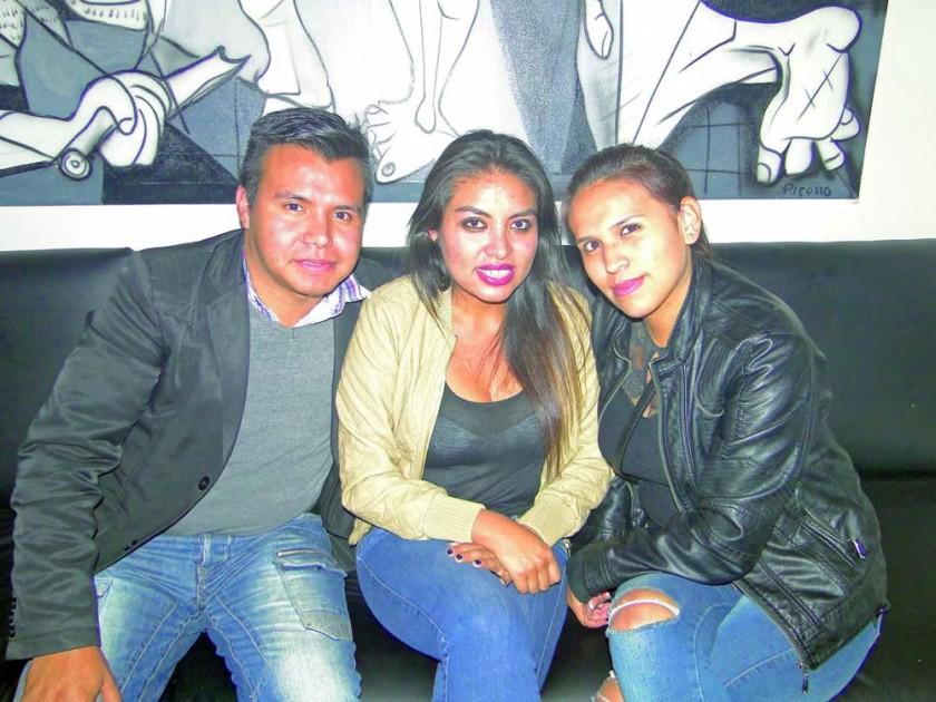 Sergio Pardo, Paola Taboada y Gabriela Medrano.