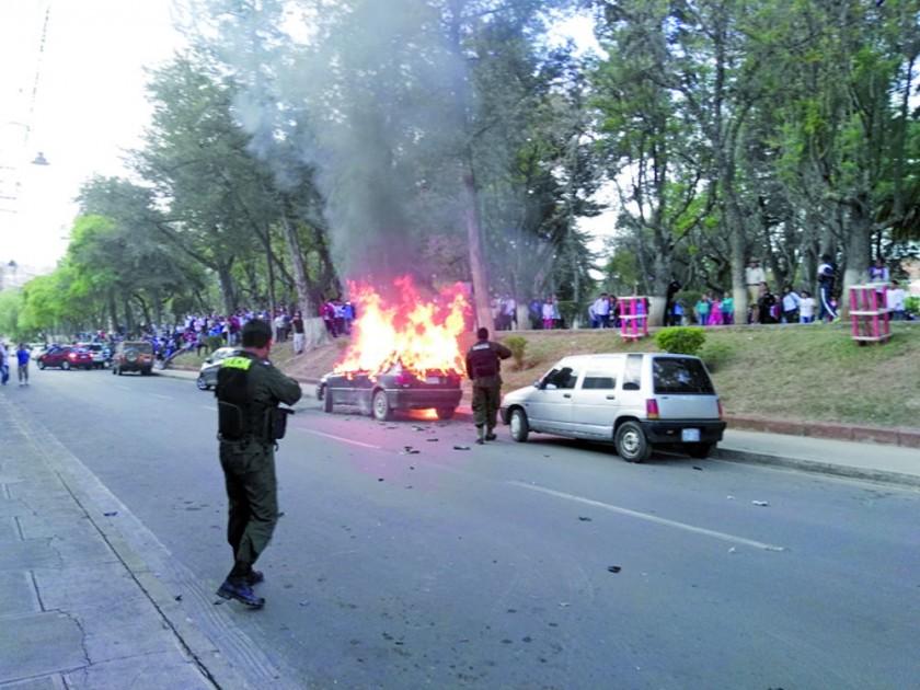 Incendio causa zozobra en el parque Bolívar