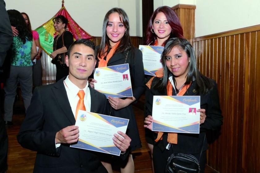 Miguel Ángel Navarro, Adriana Hurtado, Mónica Gutiérrez y Brenda Violeta.