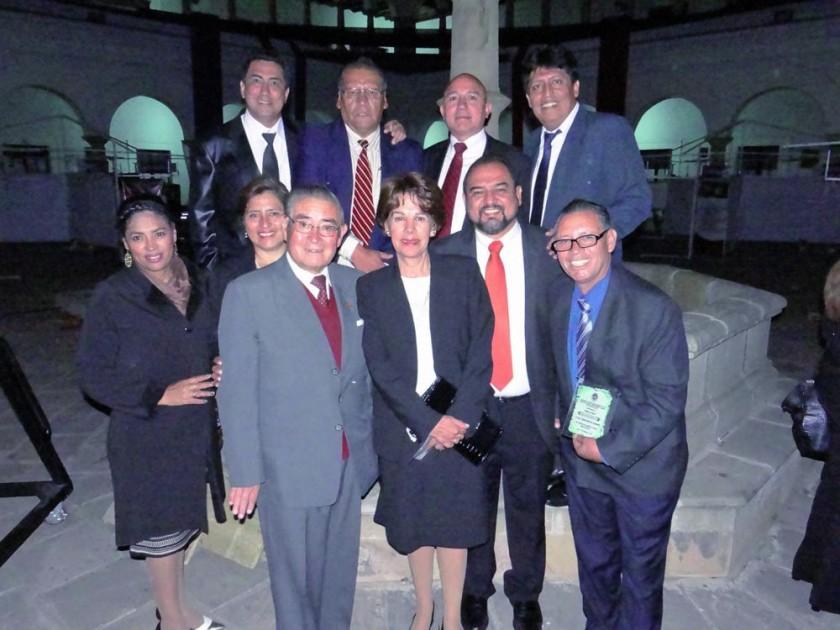 Arriba: Juan Carlos Suárez, David Fernández, Iván Montellano y Richard Hurtado. Abajo: Margot Flores, Blanca Cadima...
