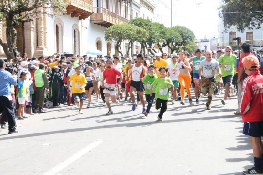 Maratón solidaria reúne a la familia