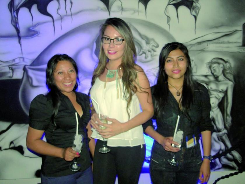 Lourdes Avendaño, Valeria Velarde y Adela Mariani.