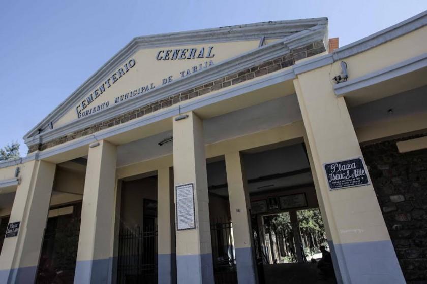 ATRACTIVO. El cementerio de Tarija destaca por cobijar los cuerpos de personajes importantes, su diseño también atrae...