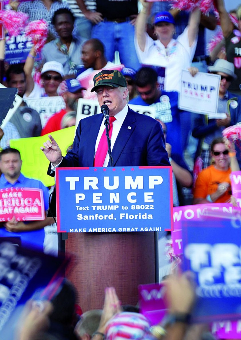 La demócrata versus el republicano Trump; falta solo una semana. EFE