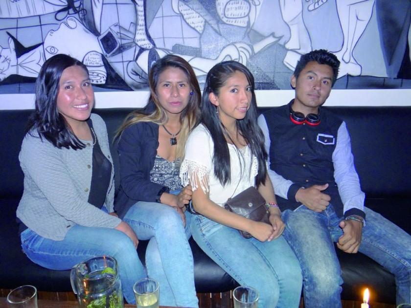 Elvira, Anahí, Nidia y Gerson.