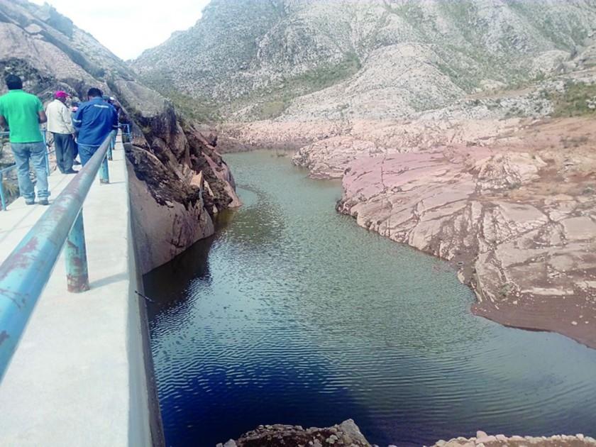 COSECHA. La represa de Cercado se instaló sobre un rio seco y se alimenta de agua de lluvia.