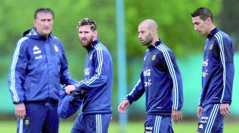 Las selecciones de Argentina y Colombia se enfrentarán esta noche, en la provincia de San Juan.