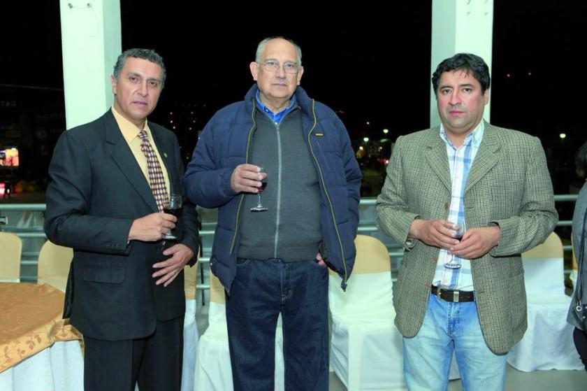 Oscar Laguna, Gonzalo Argandoña y Rodrigo Mita.