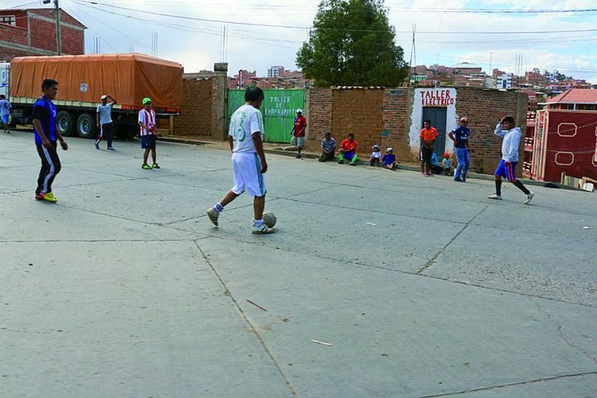 El deporte se trasladó ayer a las calles de Sucre