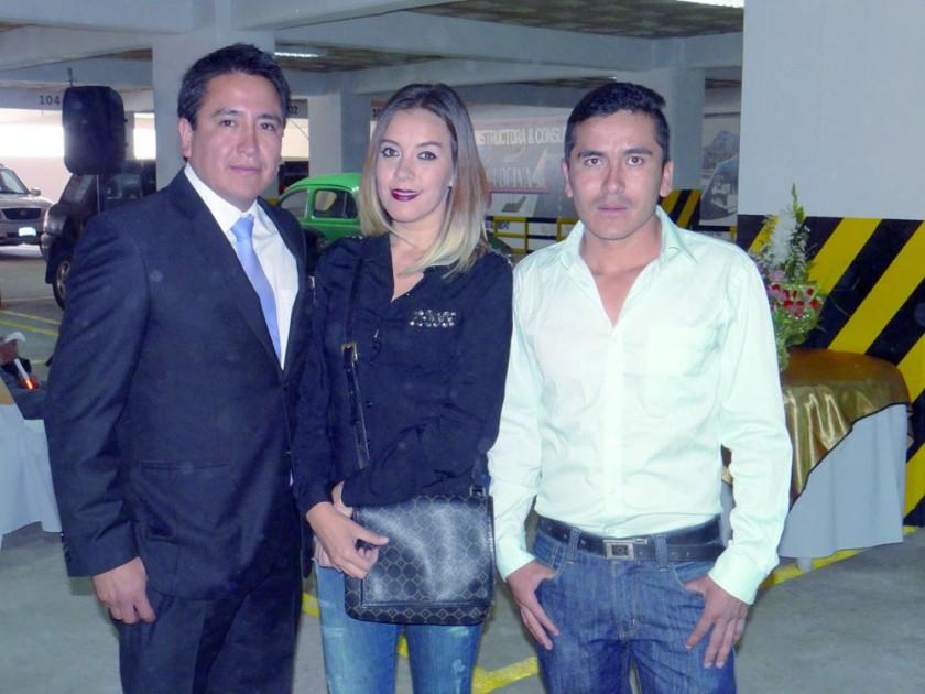 Edmundo Pórcel, Jaqueline Romero  y Albaro Arancibia.