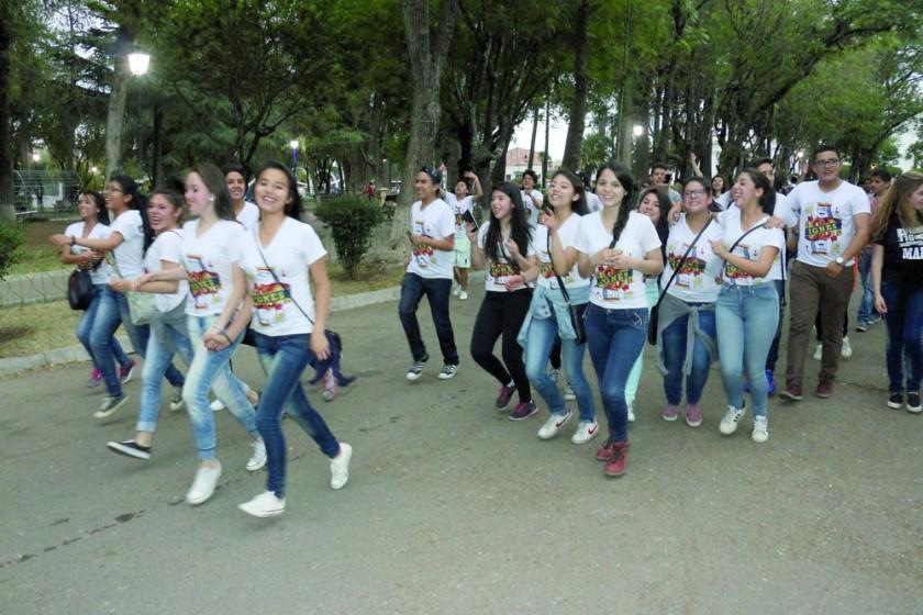 SUCRE. Estudiantes festejaron la conclusión de las actividades académicas.