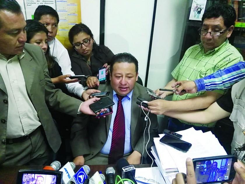 RESOLUCIÓN. El juez Oswaldo Aguilar.