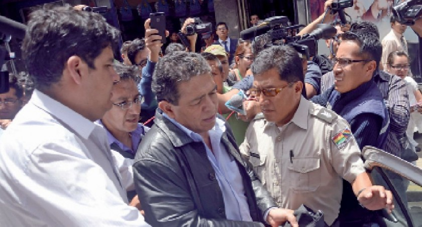 El Presidente de la Federación Boliviana de Fútbol fue trasladado ayer, al Ministerio Público, para luego ser detenido.