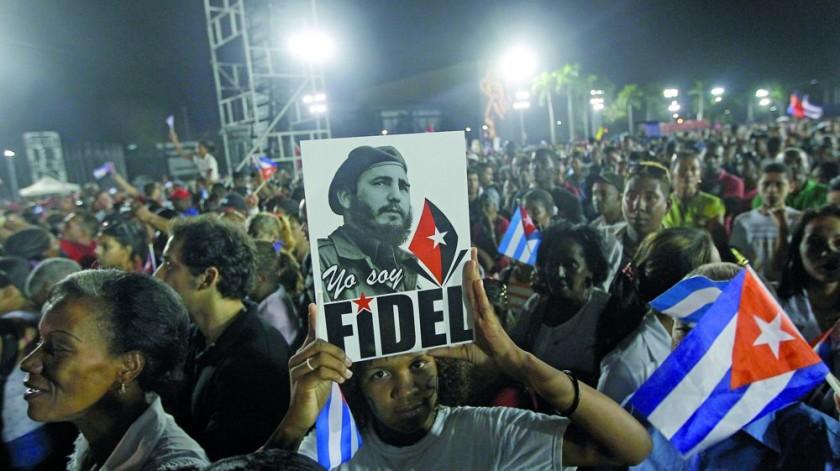 Multitud despide a Fidel tras varios días de homenaje