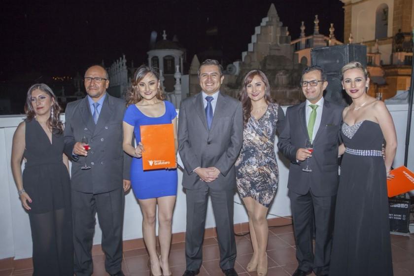 Manuela Rivera, Juan Salcedo, Arlín Cuenca, Dante Rivadeneira, Julitza Cuenca, Fernando Aspiazu y Mónica Mercado