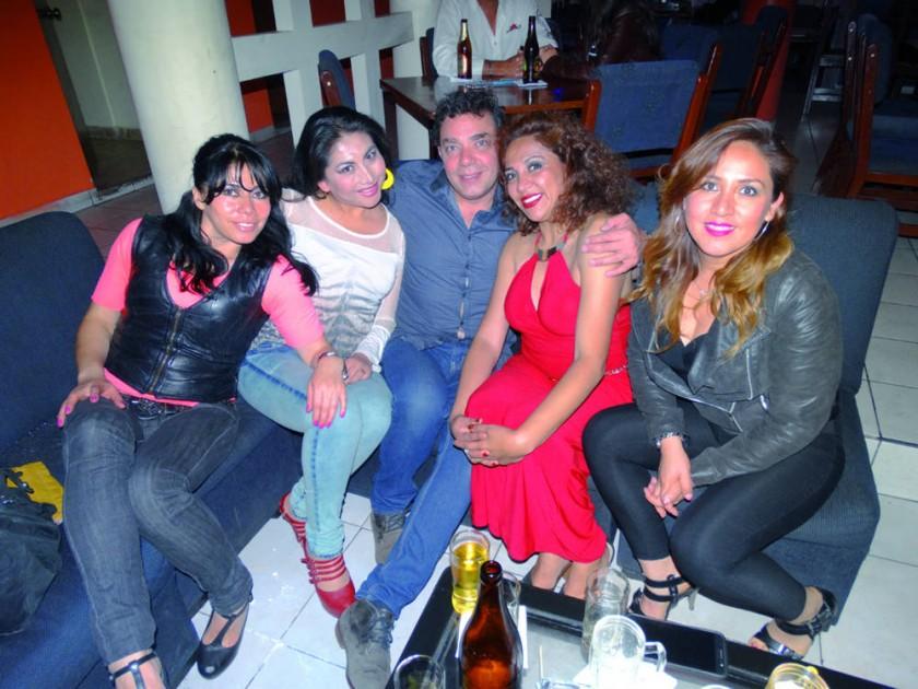 Sonia Dávalos, Ninoska Flores, Martín Joffré, Matilda Salinas y Nilda Baspineiro.
