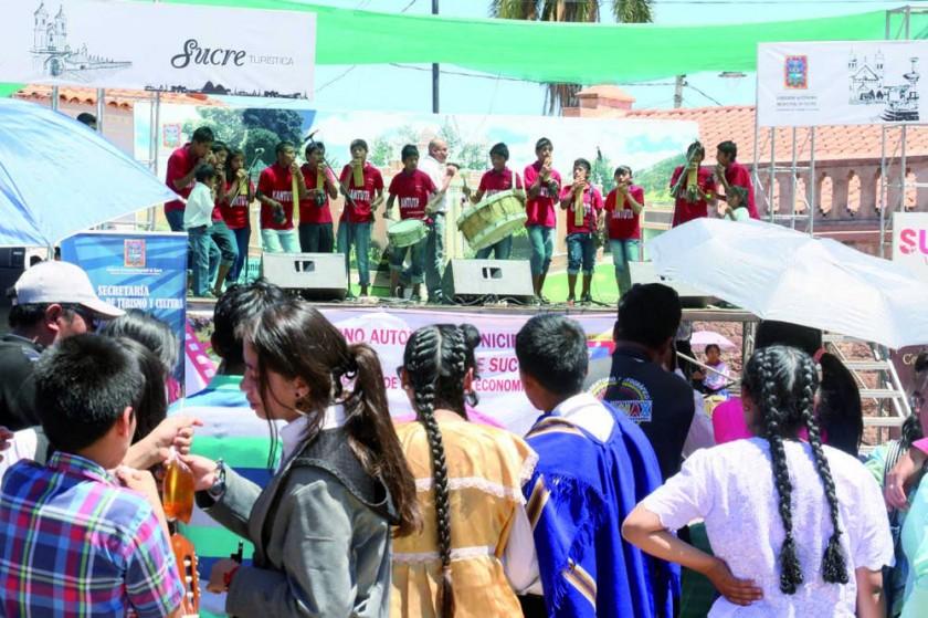 MÚSICA. Unas de las interpretaciones de la música tradicional navideña de la región.