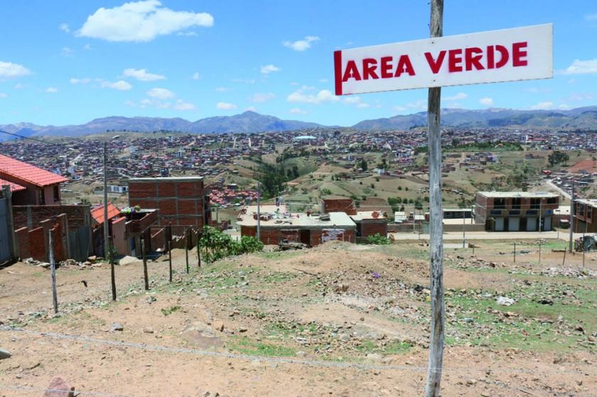 ESPACIOS. Son pocos los barrios de Sucre que tienen espacios suficientes para la construcción de parques y jardines.