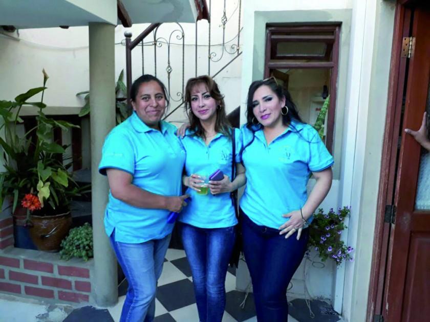Lenny Moscoso, Magaly Yucra y Lourdes Muñoz.