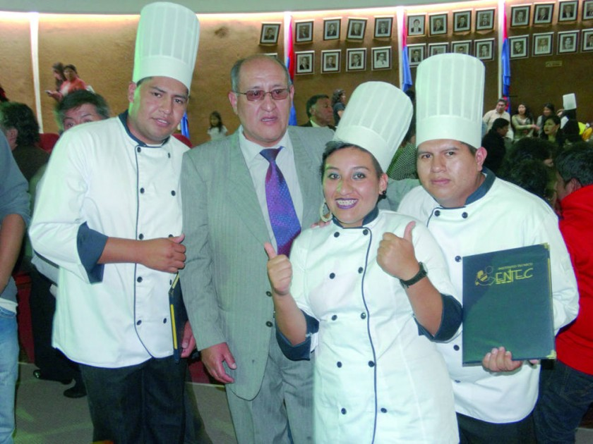 Gonzalo Mamani, José Paniagua, Paola Paniagua y Jimmy Flores.