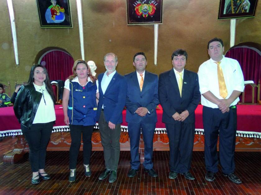Patricia Molina, Roxana Barrientos, Paolo Valoti, Diego Díaz,  Marcelo Parrado y Richard Laguna.