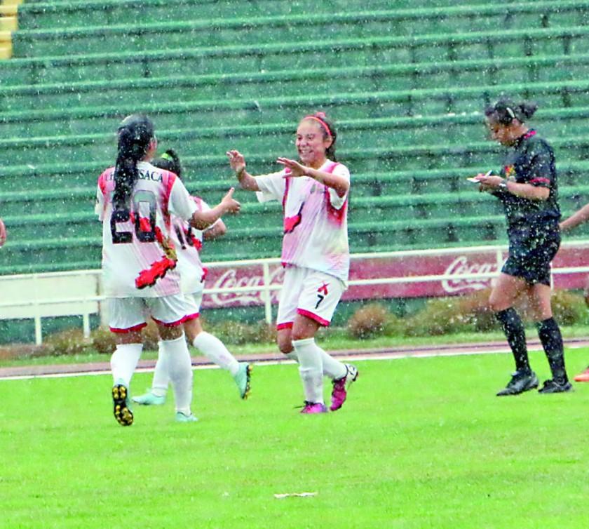El equipo femenino de Chuquisaca celebró una abultada victoria; mientras que los varones volvieron a ceder puntos...