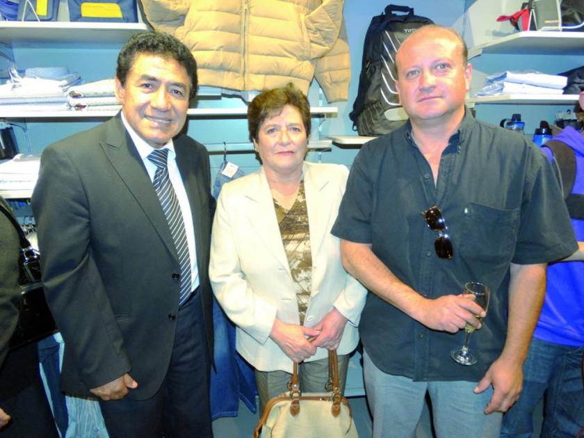 Walter Arízaga, Ana María Solares de Ríos y Marco Ríos.